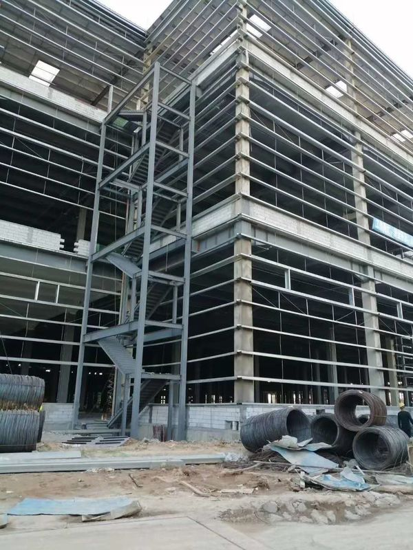 40HQ Loading Q235B Multi Floor Warehouse Steel Structure